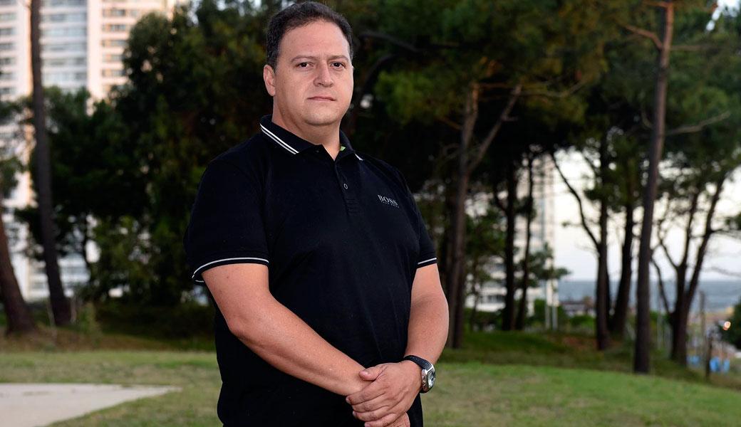 Reaparece hijo de Pablo Escobar y arremete contra Netflix y CaracolTV