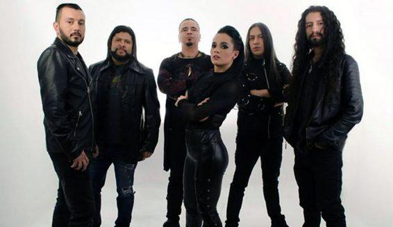 Roxana Restrepo es la nueva voz de la banda Kraken