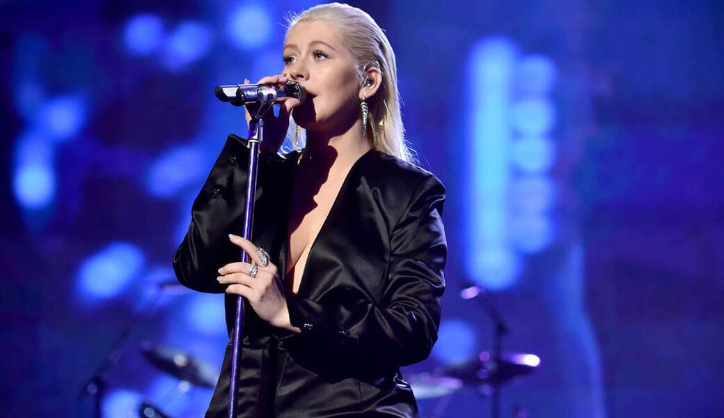 Christina Aguilera presenta su nuevo sencillo 'Twice'