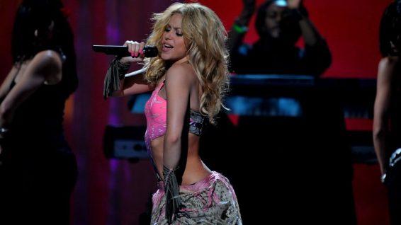 Shakira descresta en Italia con su movimiento de caderas